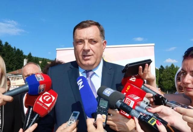 Dodik: Ako na teritoriji RS-a interveniše NATO, zvat ćemo prijatelje da nas zaštite